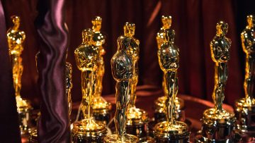 academy-oscars-statuettes-1500w